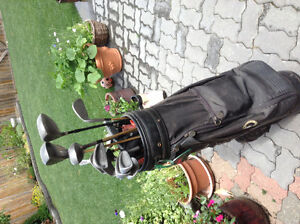 Golf clubs bag and rolling cart