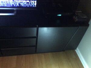 Meuble de television noir  en mélamine (stratifié)