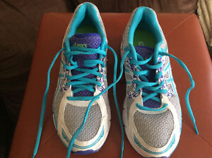 Woman's size 8 asic sneakers