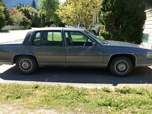 1986 Cadillac Fleetwood DeVille - 146k kms GREAT CONDITION