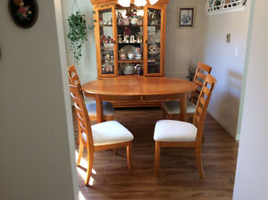 Oak Hutch Table and 4 Chairs