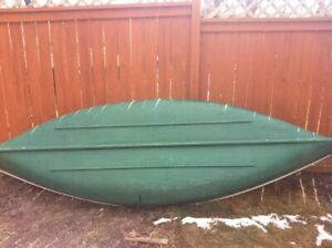 14ft fibreglass canoe wide body with flat back