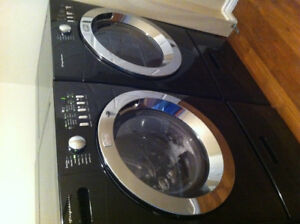 Samsung washer and dryer on pedastil