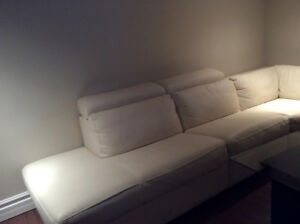 Grand sofa sectionnel en cuir blanc