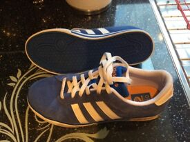 Adidas Neo trainers size 8 nearly new