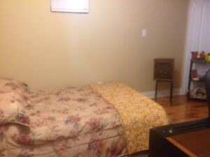 Paying Guest accommodation available near Mavis Rd. and Steeles