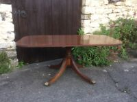 Vintage Mahogany Coffee/Occasional Pedestal Table