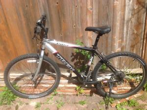 """Trek 3500 18"""" 46 cm black bike"""