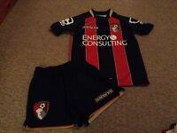 Bournemouth football kit small boys (7-8)