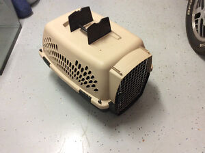 Cat or dog kennel