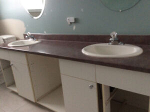 BATHROOM CONTERTOP WITH TWO SINKS