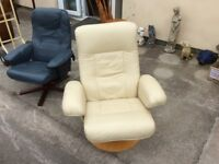 High Quality Reclining Cream Leather Armchair seat, similar to Ekornes stressless v. good condition