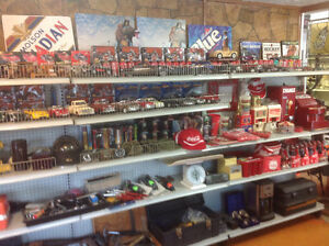 Garage Sale..antiques, collectables, steam punk lamps...much mor Windsor Region Ontario image 5