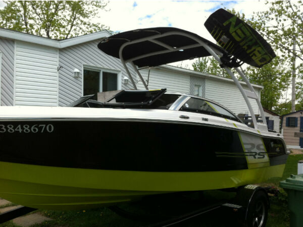 Used 2013 Four Winns 190rs horizons