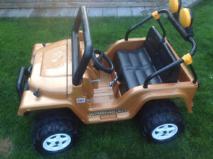 Kids Electric Jeep with working battery and charger