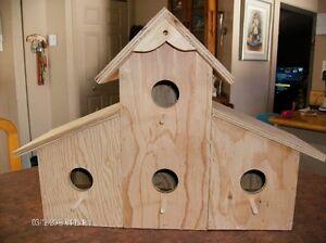 cabane oiseaux d coration ext rieure dans qu bec petites annonces class es de kijiji. Black Bedroom Furniture Sets. Home Design Ideas
