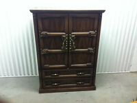 Beautiful Dresser/wardrobe for sale - Free delivery
