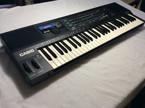 Vintage Casio HT-3000 Synthesizer.