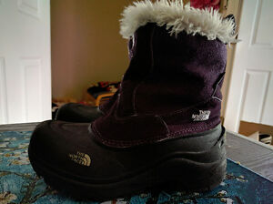 Size 3 (Youth) The North Face Girl's Waterproof Winter Boots