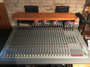 Console Soundcraft Spirit Studio (24/8) - 800$