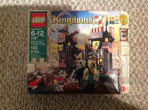 "Lego Kingdoms ""Escape From Dragons Prison"""