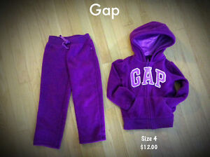 Gap outfits. *** perfect condition ***
