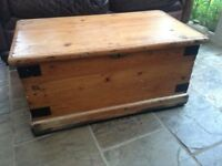 Pine chest box trunk storage kisk coffee table