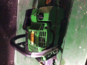 John Deere CS71 Chainsaw