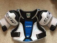 Ice hockey shoulder pads