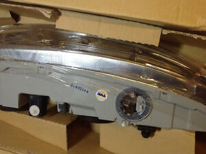 **NEW IN BOX** 1999 - 2004 Alero headlight assembly TYC 20-5673 Cambridge Kitchener Area image 2