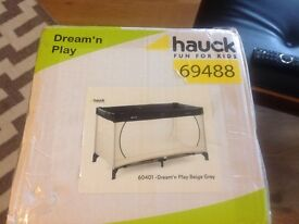***NEW*** Hauck Dream 'n Play travel cot