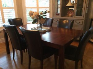 Dining set and six chairs Cornwall Ontario image 1