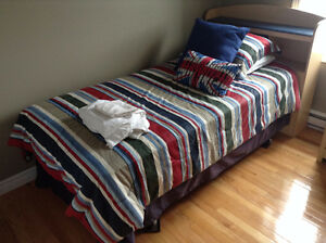 Roots Comforter Set with some extras! St. John's Newfoundland image 1