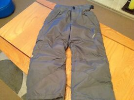 Boys snow/winter trousers in excellent condition size 114-121cm.