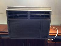 Climatiseur Danby 8000Btu en excellente état!