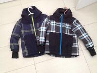 Manteaux enfants 5-6 ans porté un mois seulement