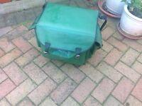 VINTAGE COMBINATION FISHING BOX SEAT/SHOULDER BAG