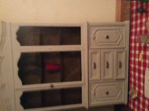 Magnificent display vintage cabinet 2piece at LOW price WOW! London Ontario image 5