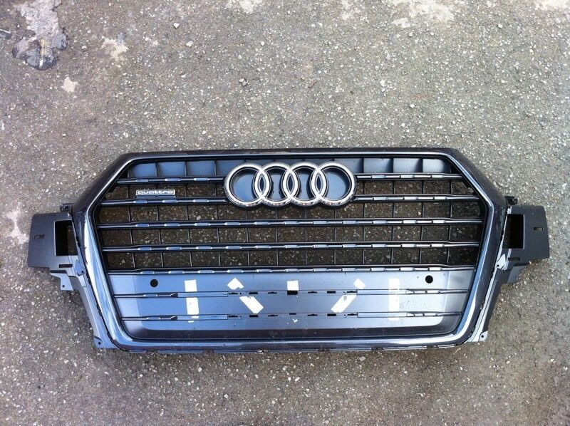Audi Q7 s line 2016 genuine middle grille for sale