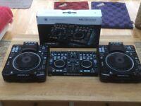 Denon SC2900 x 2 and a Denon MC3000