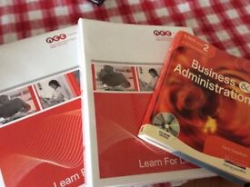 Customer Service £ Business & Administration books