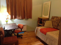 ROOM TEMPORARY IN PIERREFONDS-December 6 /1 PERSON -ALL INCLUDED