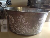 Gift, garden or home Display tins. (Price is for 1)