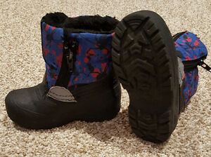 SIZE 5 TODDLER BOOTS $5.00