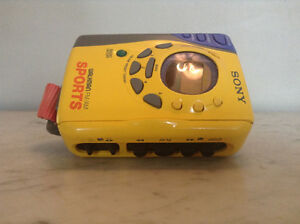 Vintage Sony Walkman WM-FS493 Sports AM/FM Radio Portable Casset
