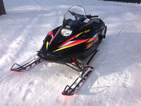 1999 YAMAHA VMAX 600 TWIN. EXCELLENT CONDITION