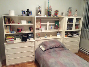Full Bedroom Set (bed, desktop, dressers) - Very Good Condition
