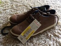 Kids brown size 4 smart shoes