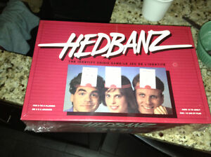 """New in package """"HEADBANZ"""" game for sale London Ontario image 1"""