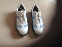 Ladies golf shoes for sale, hardly used in great condition